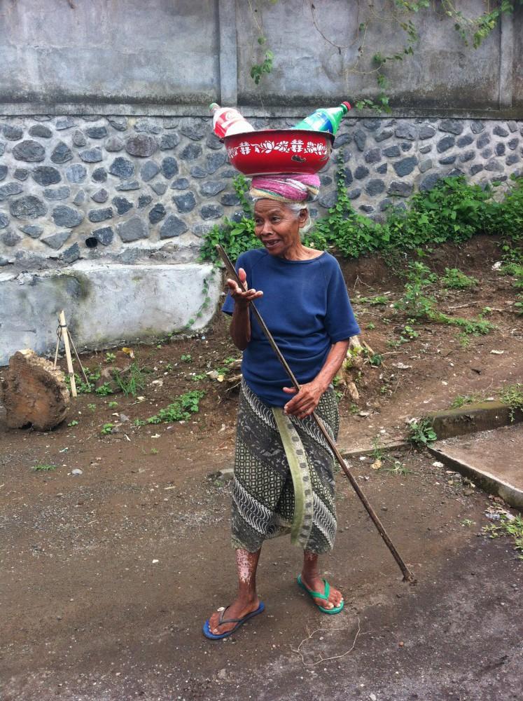 Alte Frau bei Tegalalang
