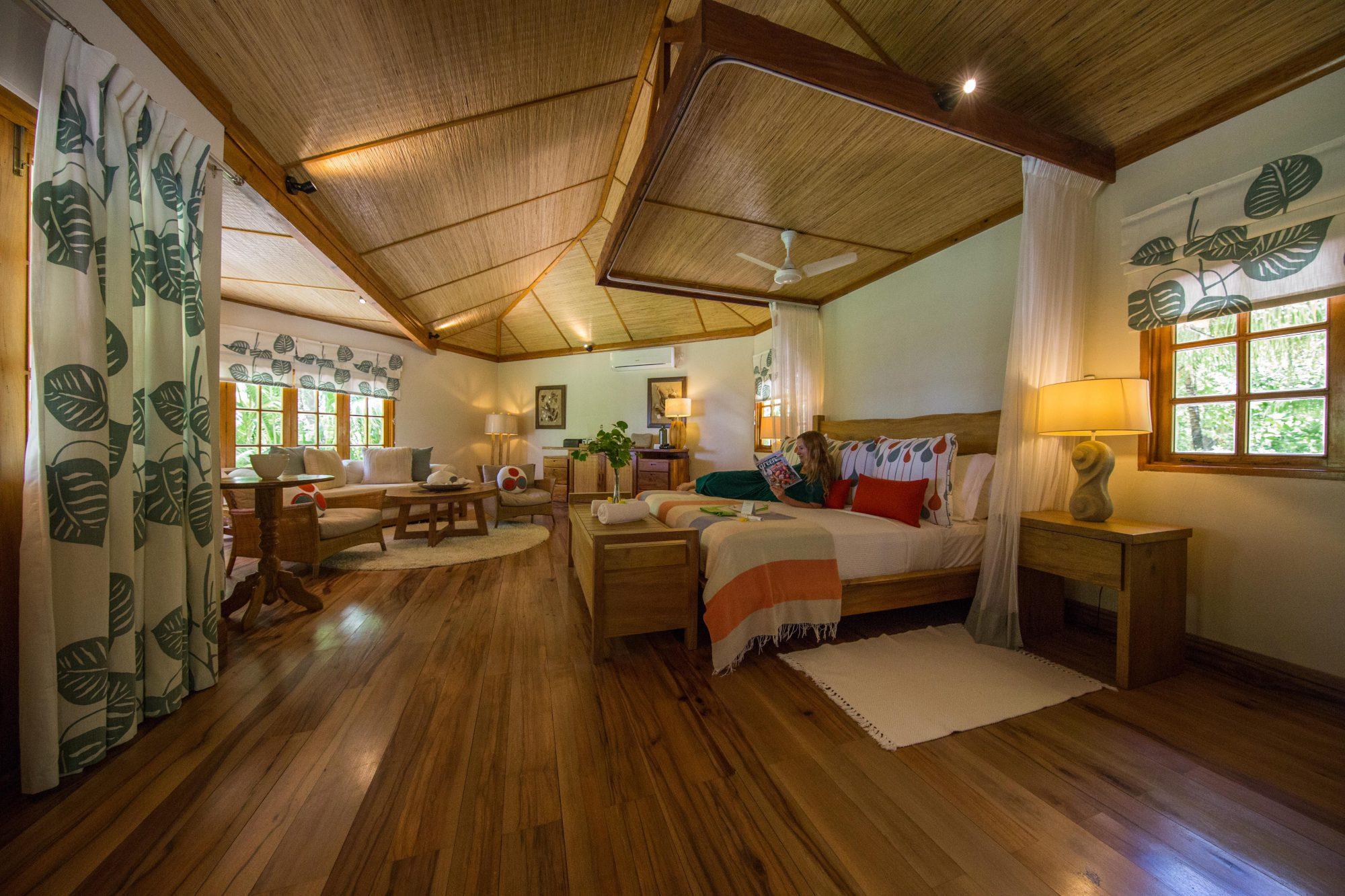 rebecca-bungalow-denis-private-island