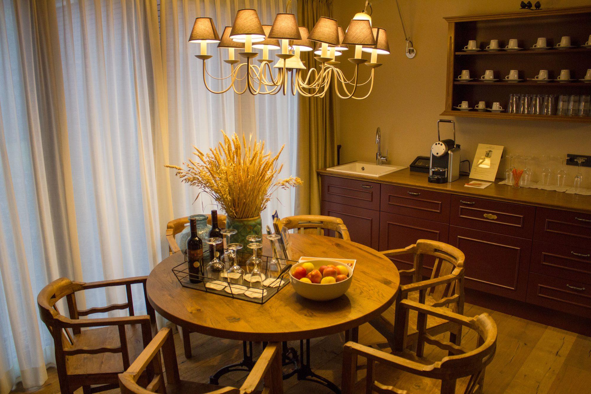 gut sternholz badewanne suite wellness sauna spa auszeit hamm ruhrgebiet kaffeebar hotel. Black Bedroom Furniture Sets. Home Design Ideas