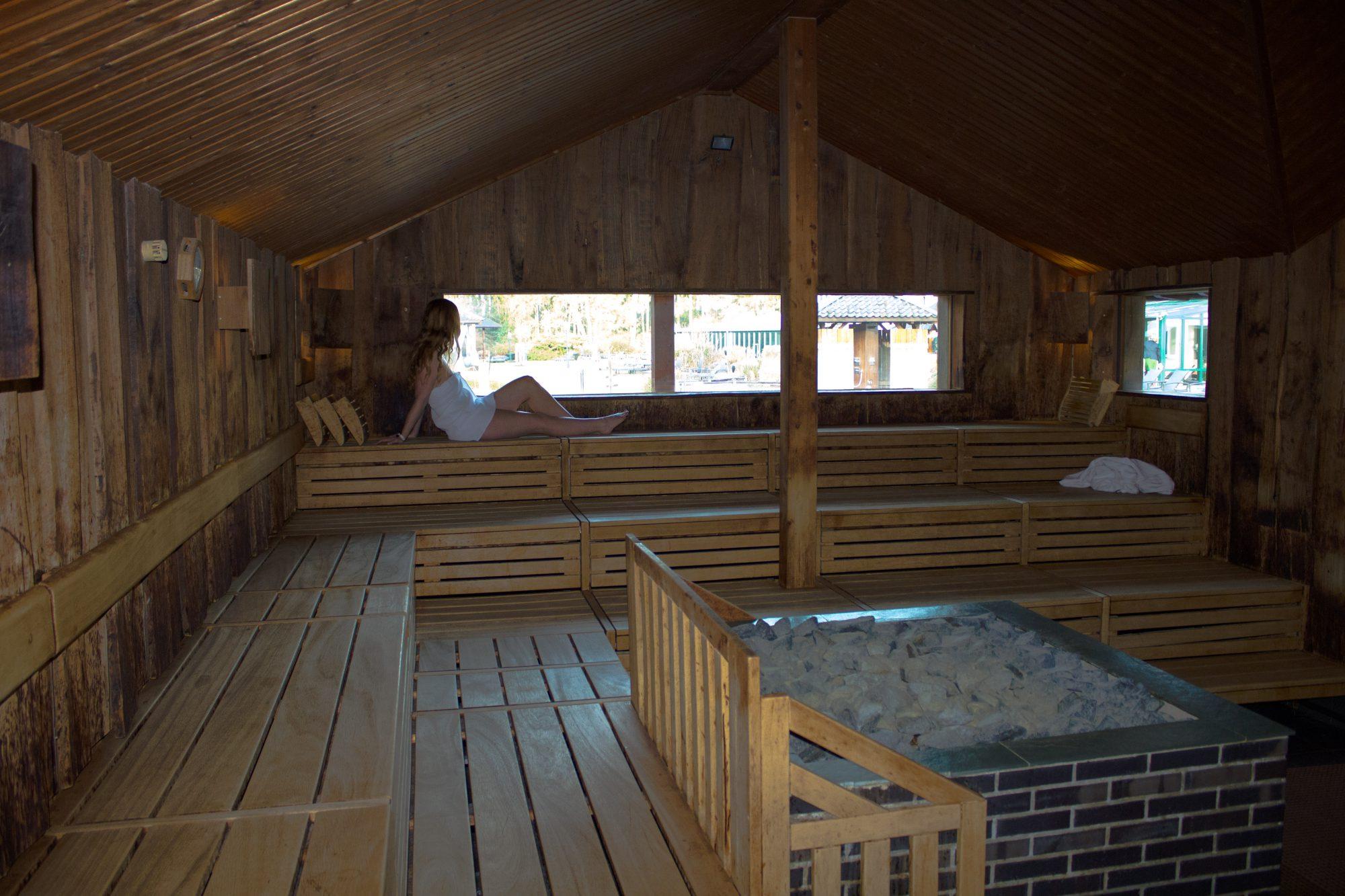 sauna mit blick aufs wasser rebeccas welt. Black Bedroom Furniture Sets. Home Design Ideas
